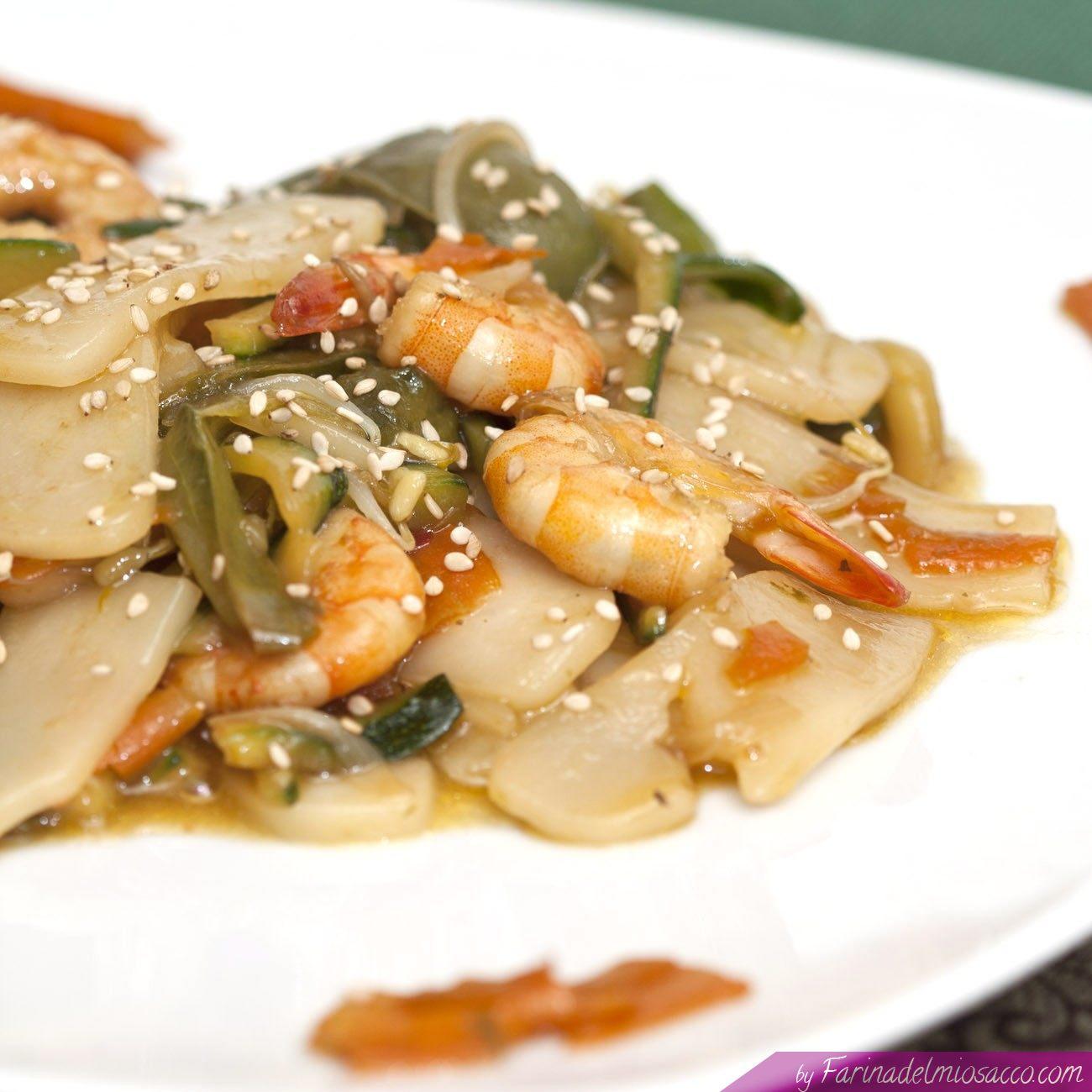Ricetta Gnocchi Di Riso Cinesi.Gnocchi Di Riso Saltati Con Gamberi E Verdure Primo Della Cucina Cinese
