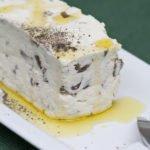 formaggio fresco con olive taggiasche