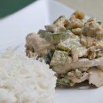 Straccetti di pollo con zucchine e noci