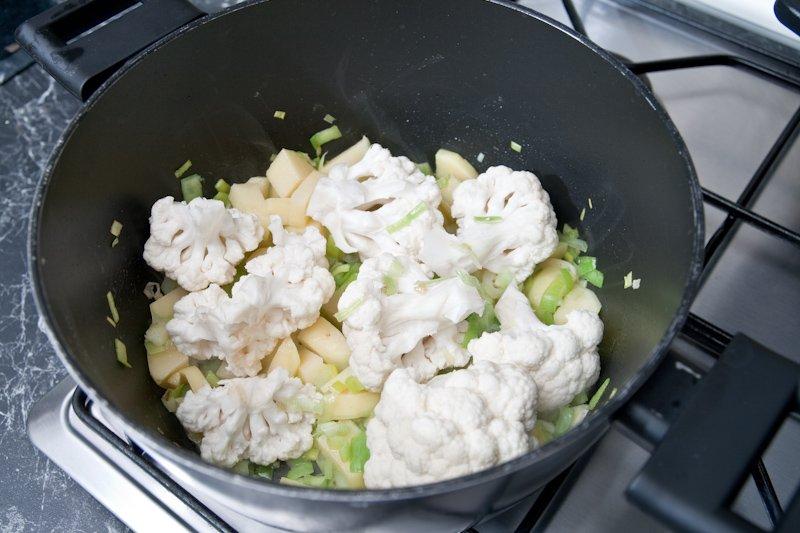 cuociamo i cavolfiori con porri e patate