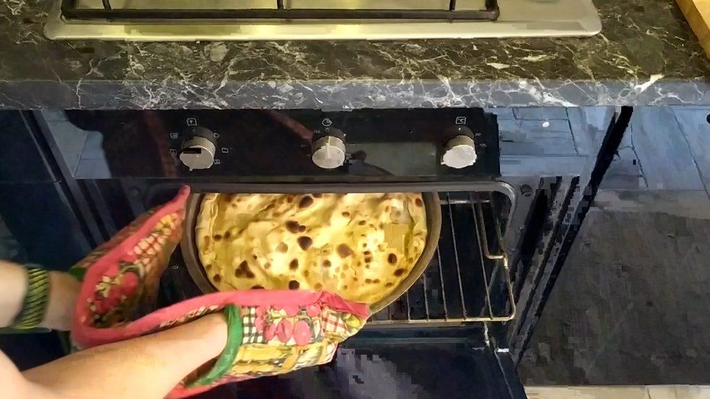 Focaccia di Recco in forno