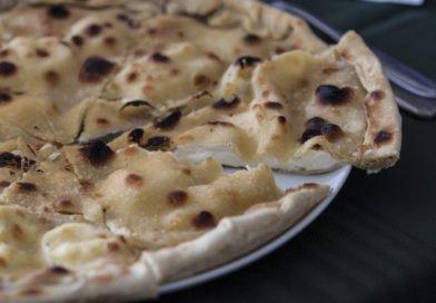 Focaccia di Recco al formaggio fatta in casa