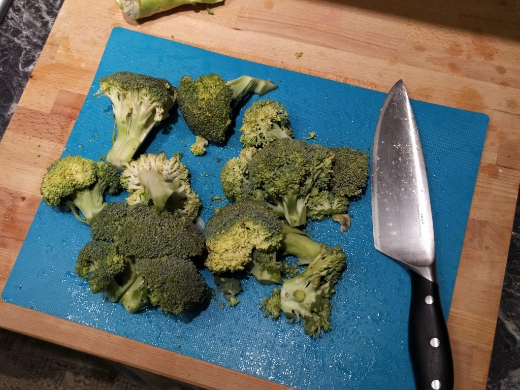 Tagliamo le cime dei broccoli
