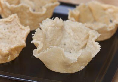 Cestini di Parmigiano per golosi antipasti pronti per essere farciti
