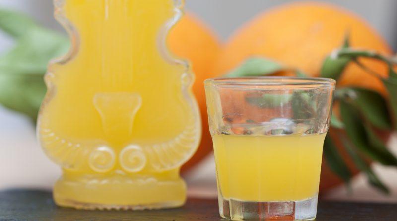 Arancello fatto in casa (liquore all'arancia)