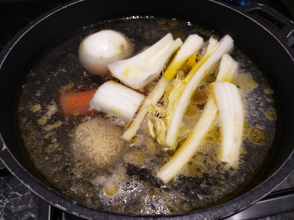 Preparazione del brodo vegetale