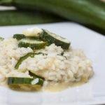 Risotto con zucchine, un piatto leggero e sano.