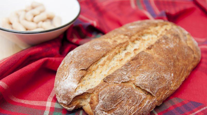 Pane proteico a base di legumi preparato con la planetaria