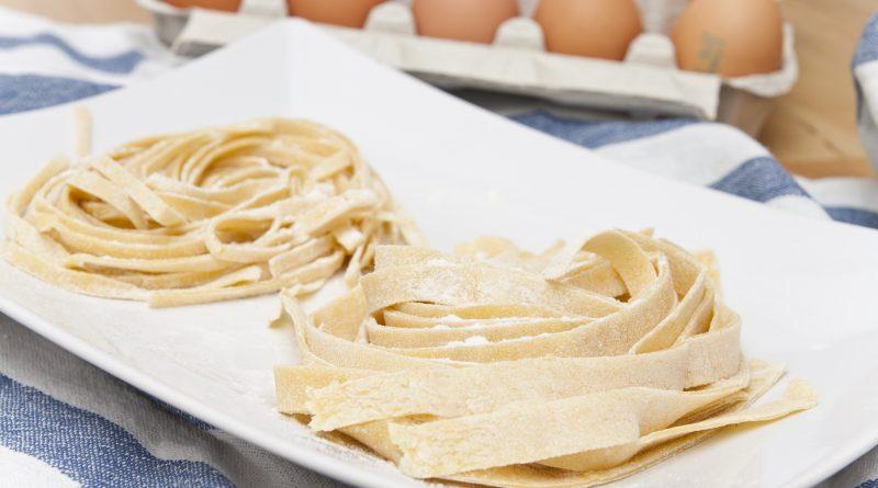 Pasta fresca fatta in casa con la planetaria - I nostri tagliolini e le tagliatelle