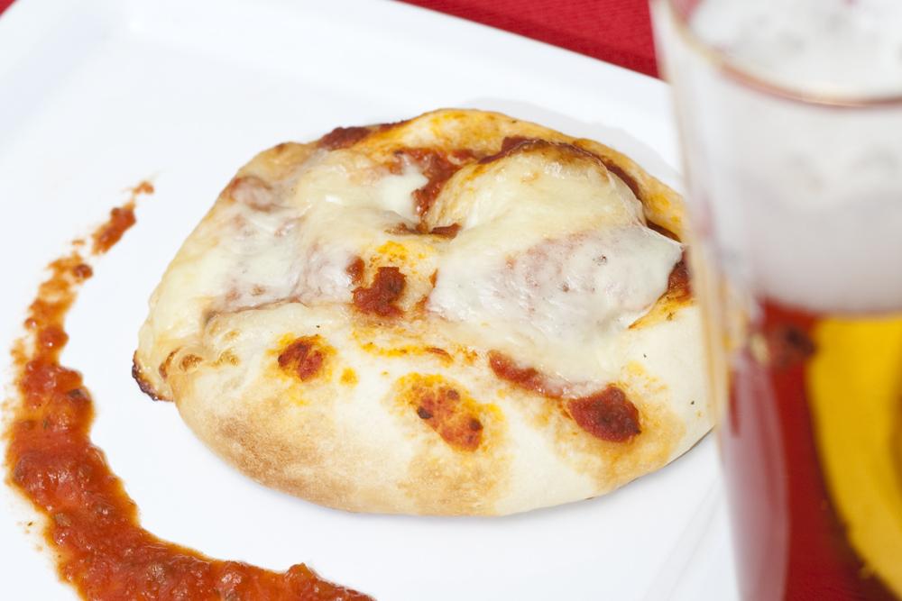 Le girelle di pizza pronte e sfornate.